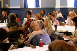 How do I know a mindfulness teacher is appropriately trained?